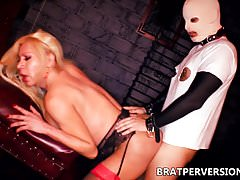 Shemale BDSM Fabiola Blonde fucked in the Ass