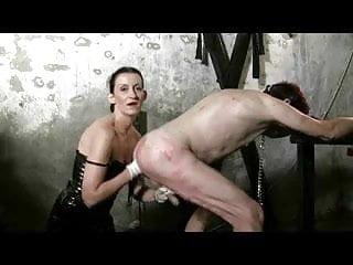 maitresse dominatrice Claudiacuir fisting slave rick