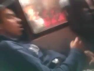 Мужчина дрочит в транспорте видео многого
