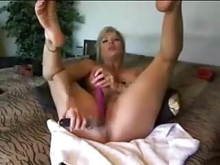 big boob cam girl pleasures herself on webcam- 133cams-com