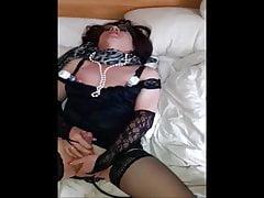 LadyNutte kommt fuer den Herrn - Lady whore cums for master