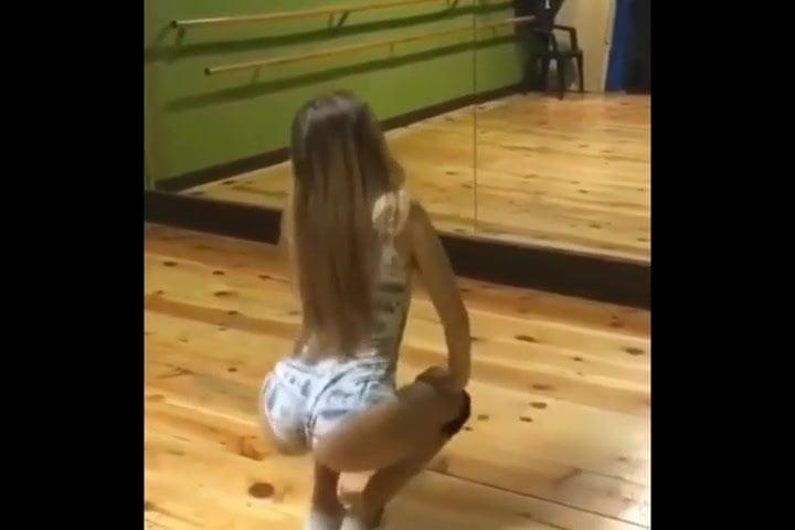 petite young girl peliculas
