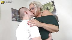 Mature MOM fucked by young boy