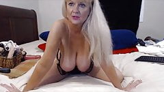 Talkative granny Tammy with bouncing big tits