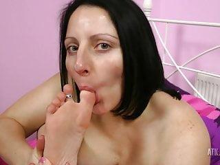 Hot Milf Amber Lustfull sucks her toe!