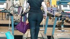 Nutbooty Pawg on treadmill