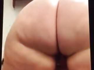 thick booty randi shaking that ass