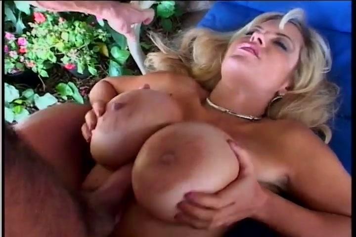 Free download & watch enormus boobs blonde         porn movies