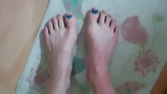 Vlog About Her Feet and You Tube Comments