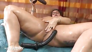 Amateur french BBW toying oiling squirting n anal prolapse