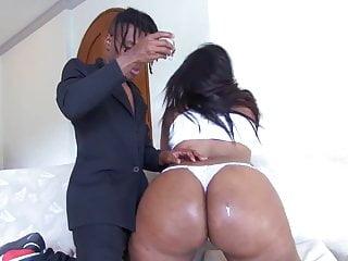 Download video bokep Hot Sexy Fat Assed Latina Santana Mp4 terbaru