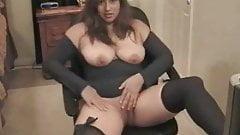 chubby latina in webcam