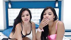 dos chicas se aman frente a la