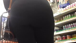 Pumpkin Booty BBW Bending Over