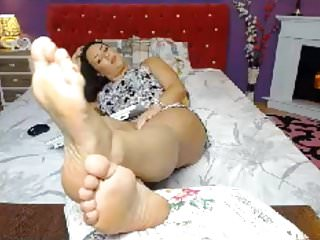 SERIOUSLY hot curvy 20 something feet in face - no sound