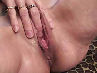 Carol Cox goes Squirt! Squirt! Squirt!