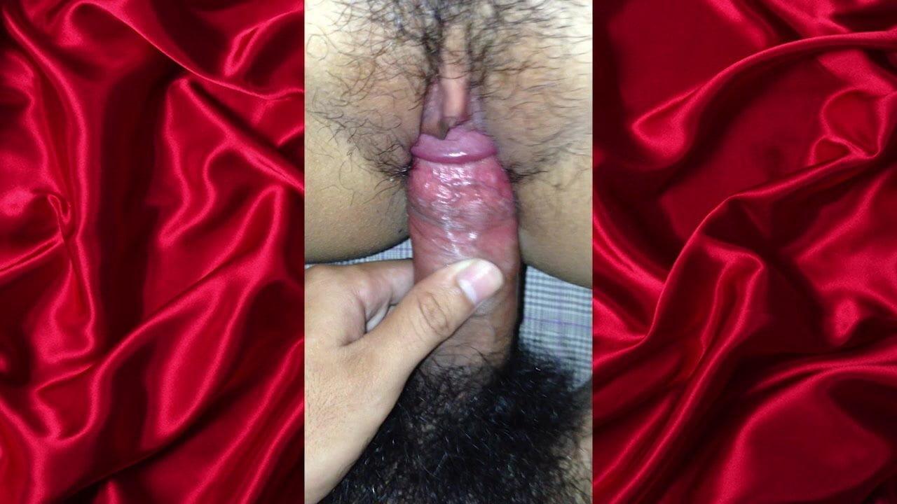 THAI TEEN The Virgin Fucking big cocks!