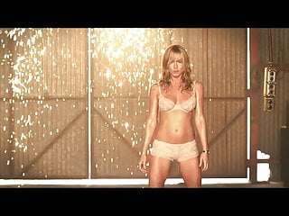 Jennifer Aniston S Hot Striptease Scenes In The Millers