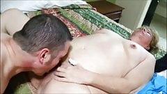 Большую бабушку трахнул ебарь, пока муженек снимает на видео