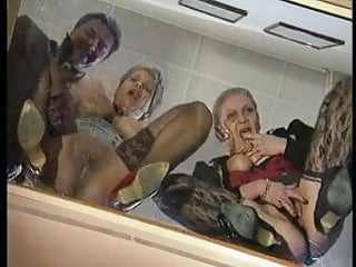 TWO GRANNIES WANT SEX