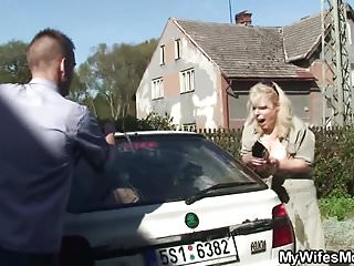 She finds him fucking busty blonde mom in law