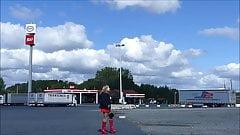 Gummipuppe Monique - TV Parkplatznutte mit female mask
