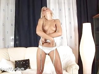 Dido angel young and masturbating in one of her first movies