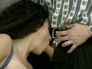 je porno lesbische Strap op