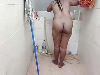 Download video bokep Gadis Thai Take A Shower In Bathroom Mp4 terbaru