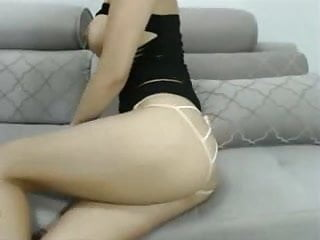 Cam Girl With Nice Tits Strips And Bates