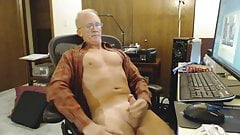 Str8 daddy stroke in the office