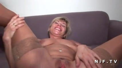 French Milf deep anal fucked