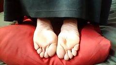 Nice soles pose