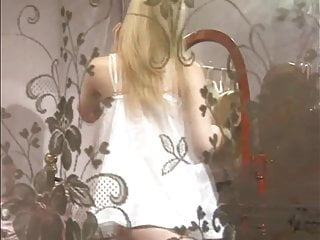 Voyeur teen pussy on EroticWhite.com