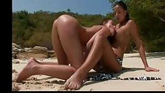 Licking Her Pussy on the Beach BVR