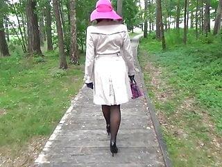 Mature high heels preview galleries - High heels walk