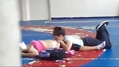 deux coquines surprise au gymnase