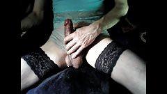 amateur crossdress peeing