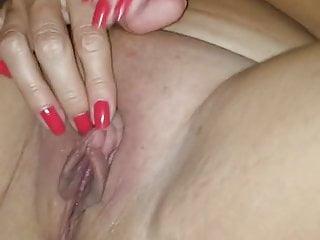 fucks and masturbates her pussy orgasmic