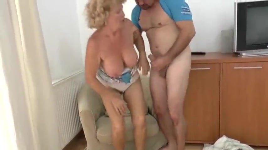 Free download & watch effie is awakened by a young man          porn movies