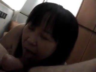 Chinese mature hooker fucked with fun by italian man!