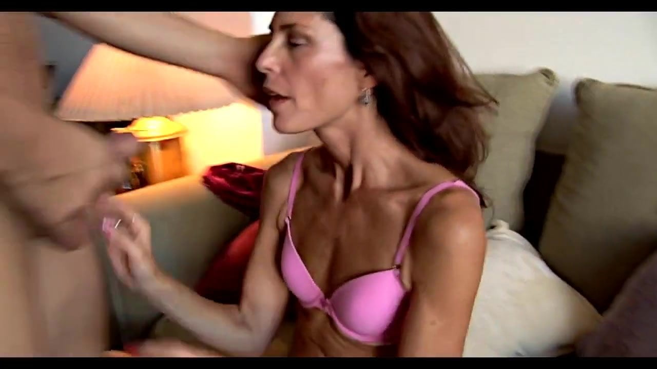 skinny mature with saggy breasts get fucked