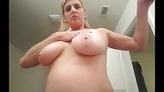Dionne Byer tits