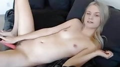 Teen fingers and plays till cum