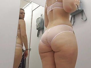 Curves  Daze Sexy Changing Room