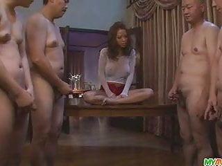 Download video bokep Ema Kisaki gives japan blowjob after blowjob for their cum Mp4 terbaru