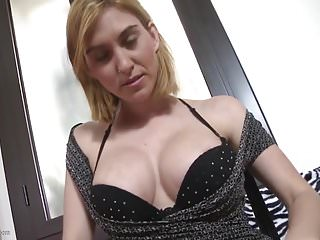 Amateur busty mom feeding her big pussy with toy