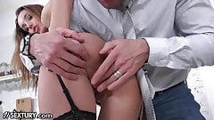 21Sextury Training Hazel Dew's Gape to Take Big Cocks's Thumb