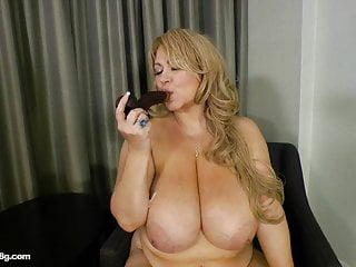 Chubby MILF Slut Fucks Herself With Dildo