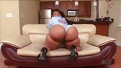Big, big bubble butt!